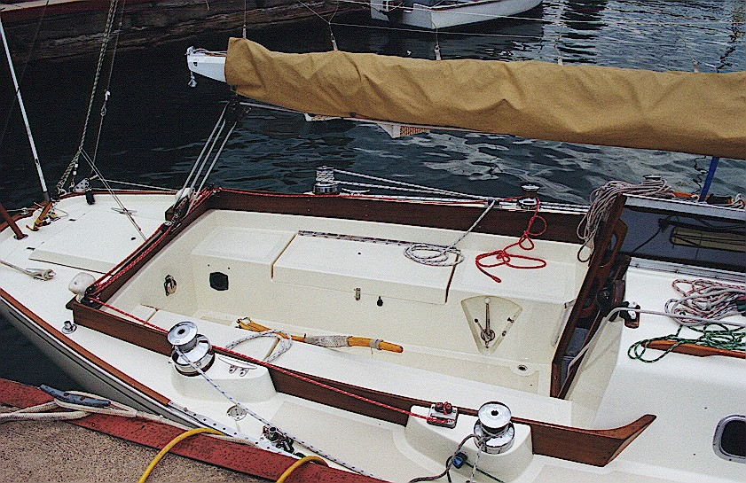 cockpit_11.jpg